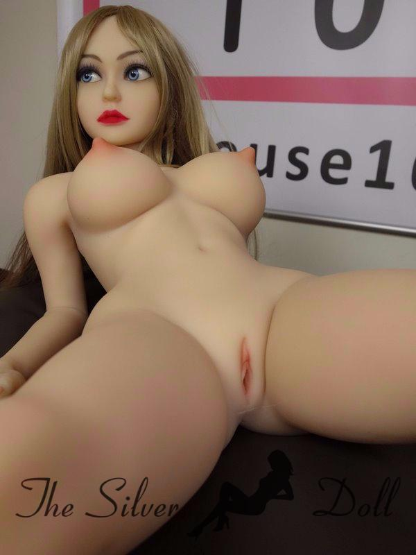 How to use a sexdoll